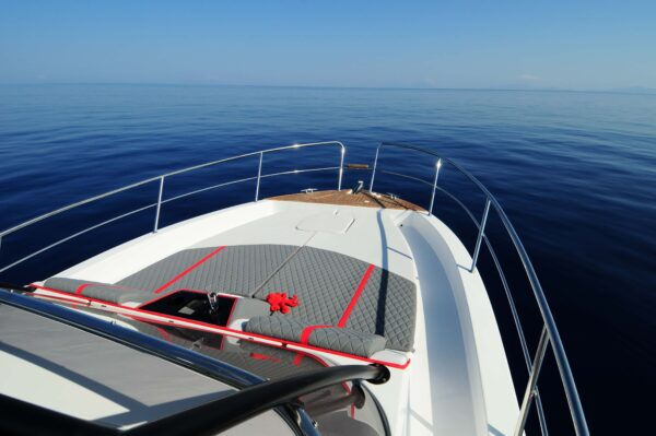 Saver 330 Walkaround Nautic Service Lago Di Garda Prendisole Prua