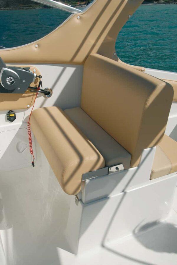 Saver 690 Cabin Sport Nautic Service Lago Di Garda Appoggio Lombare Chiuso