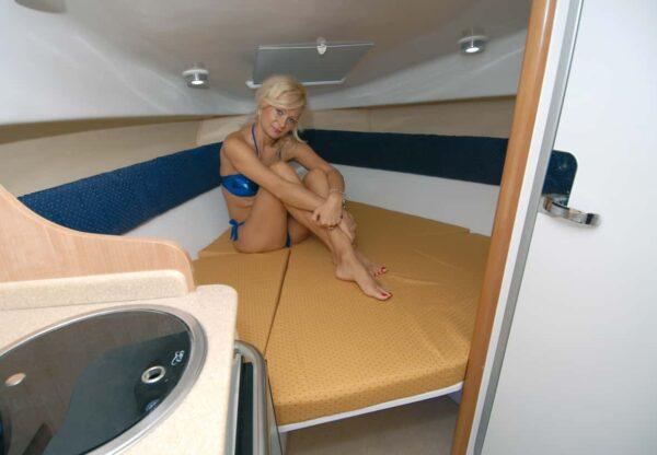 Saver 690 Cabin Sport Nautic Service Lago Di Garda Letto Prua12
