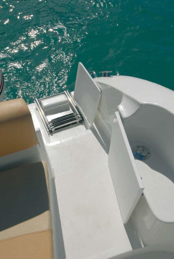 Saver 690 Cabin Sport Nautic Service Lago Di Garda Scaletta3