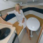 Saver 690 Cabin Sport Nautic Service Lago Di Garda Tavolo Cabina