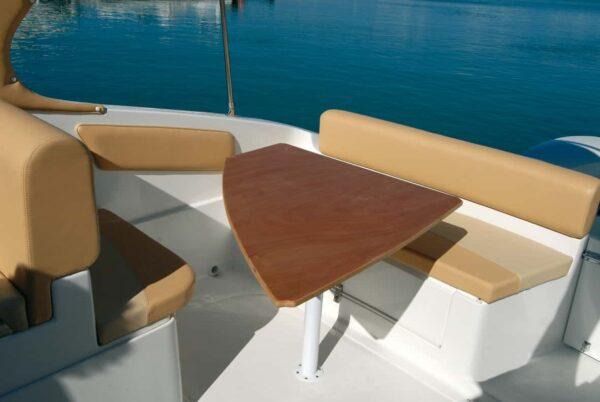 Saver 690 Cabin Sport Nautic Service Lago Di Garda Tavolo Poppa Grande2