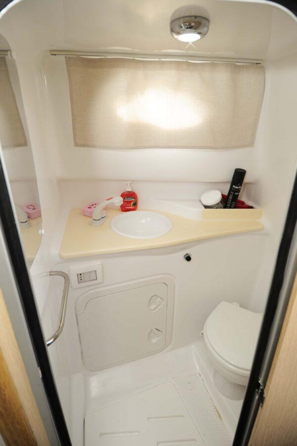 Saver 750 Cabin Sport Nautic Service Lago Di Garda Locale Toilette5