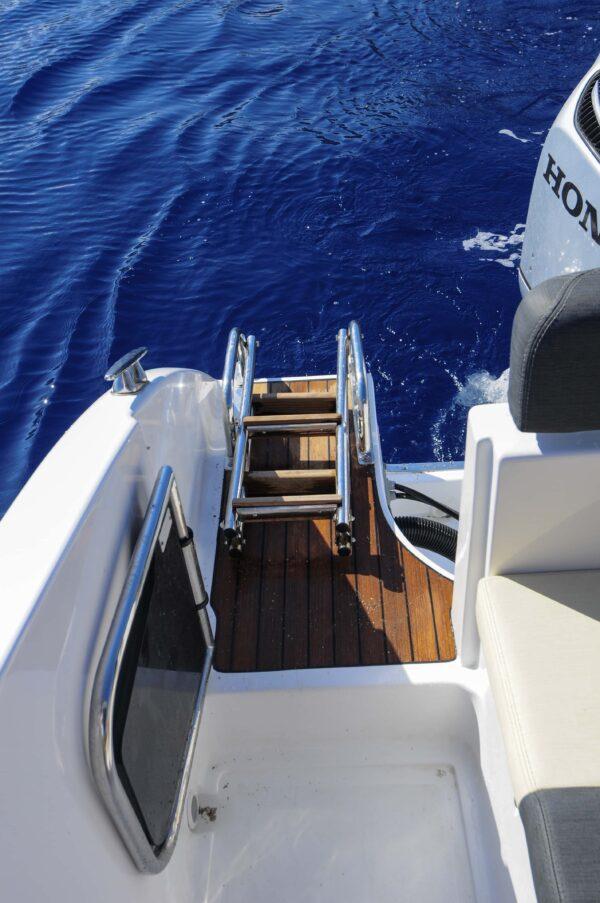 Saver 750 Cabin Sport Nautic Service Lago Di Garda Scaletta E Portello