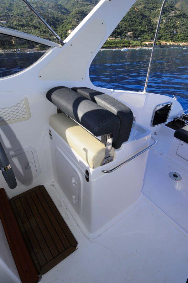 Saver 750 Cabin Sport Nautic Service Lago Di Garda Sedile Guida3